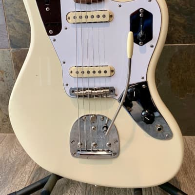 Brilliant Fender Johnny Marr Signature Jaguar Olympic White Rosewood Fingerboard wOHSC (0187) for sale