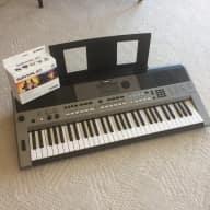 Yamaha PSR-E443 Keyboard w/SK D2 Survival Kit