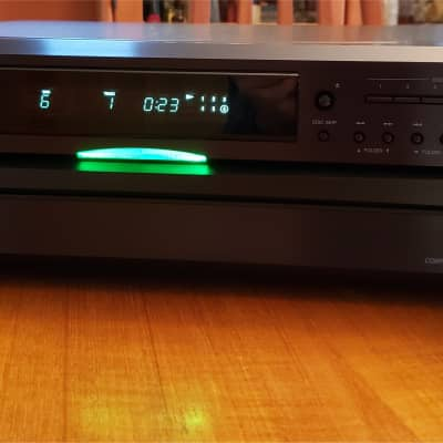 Onkyo DX-C390 6 Disc CD Changer - Like New - 2019 Model with Audiophile Performance - MP3 Capable
