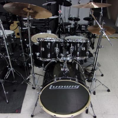 Ludwig Evolution 5 pc Drum Kit Pkg w/ZBT Cymbals Black Sparkle