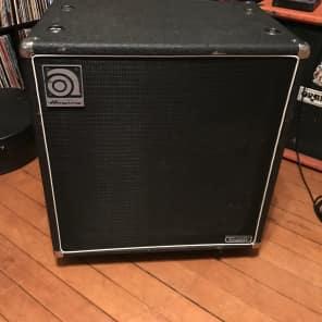 """Ampeg SVT-410HEN Classic Series 500-Watt 4x10"""" Bass Speaker Cabinet"""
