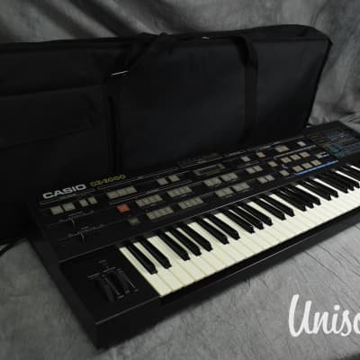Casio CZ-3000 Phase Distortion Digital Synthesizer in Very Good Condition