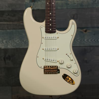 Fender Made in Japan Traditional 60s Stratocaster Daybreak for sale