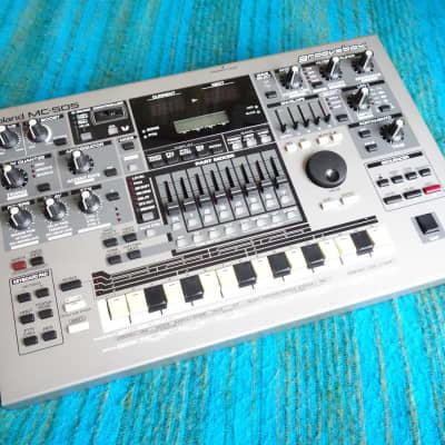 Roland MC-505 Groove Box - Synthesizer Drum Machine 90's Vintage - E104