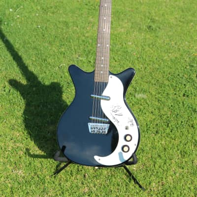 Danelectro 12-String - Big Head Todd and the Monsters owned/record used, signed by band for sale