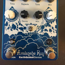 EarthQuaker Devices Avalanche Run Stereo Delay & Reverb V1