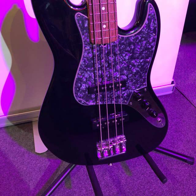 Fender American Deluxe Jazz Bass image