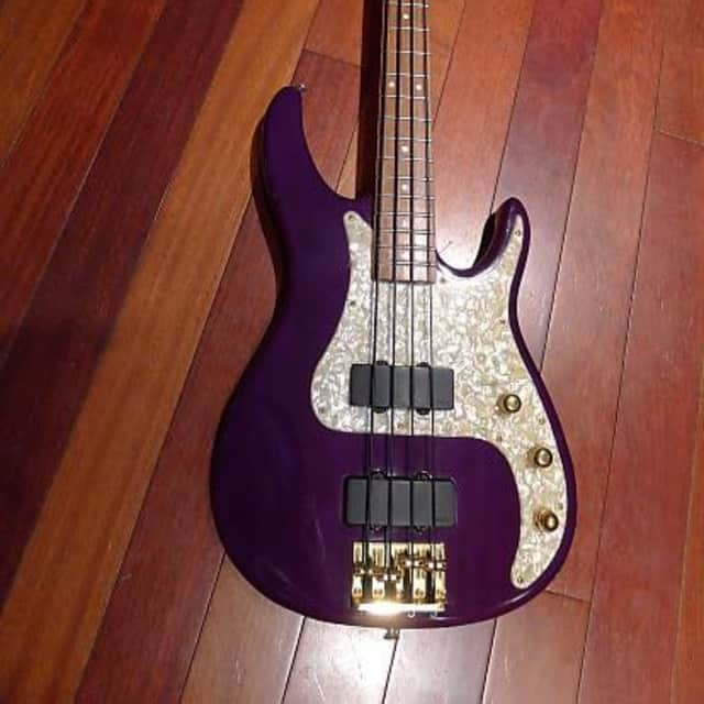 Peavey USA  Axcelerator Plus Bass image