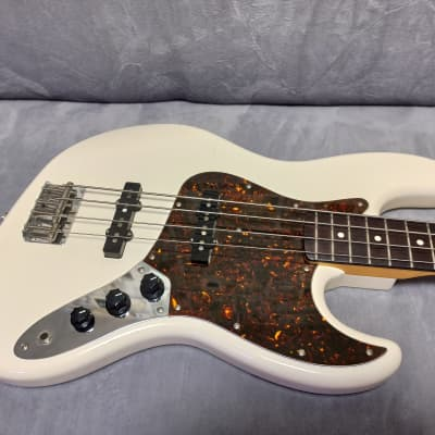 Coolz ZJB-1R 2009 Olympic White. Made in Japan top model Jazz Bass by Fujigen! for sale