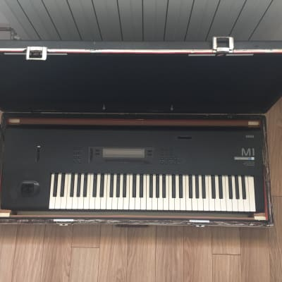 Korg M1  workstation keyboard 90s vintage with flight case hardcase