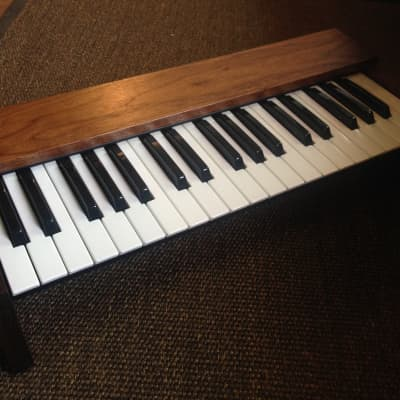 Synthesizers.com QKB37 Keyboard Controller