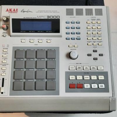 Akai MPC 3000 Sampler Drum Machine - SD Drive