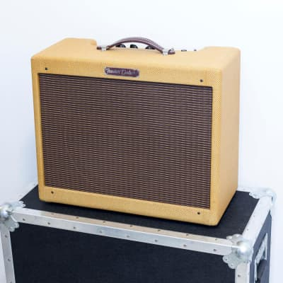"Fender '57 Custom Deluxe 2-Channel 12-Watt 1x12"" Guitar Combo - With ATA Flight Road Case"