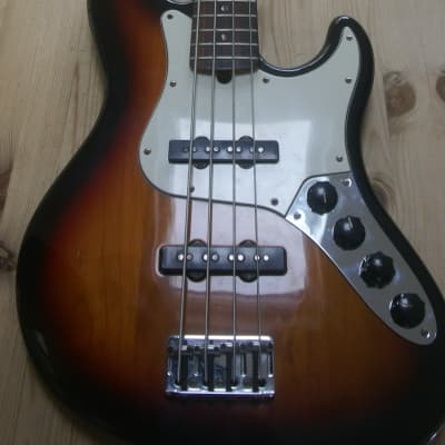Fender American Deluxe Jazz Bass with Rosewood Fretboard 1999 Sunburst for sale