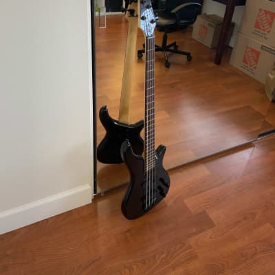 Rogue LX200BF-PBK Series III Fretless 4-String Bass Pearl Black