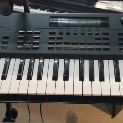 USED Roland XP-80 w/Case