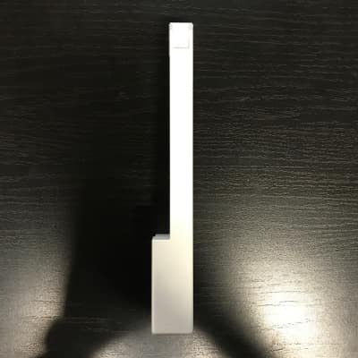 Roland Replacement E/B key for Juno-6/60, Jupiter-6/8, SH-101, VK-09, JX-3P 1983 White