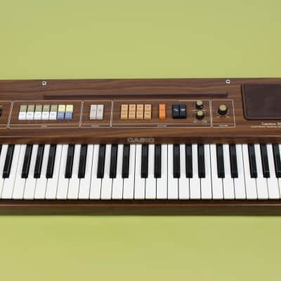 Casio CT-301 Casiotone 49-Key Synthesizer