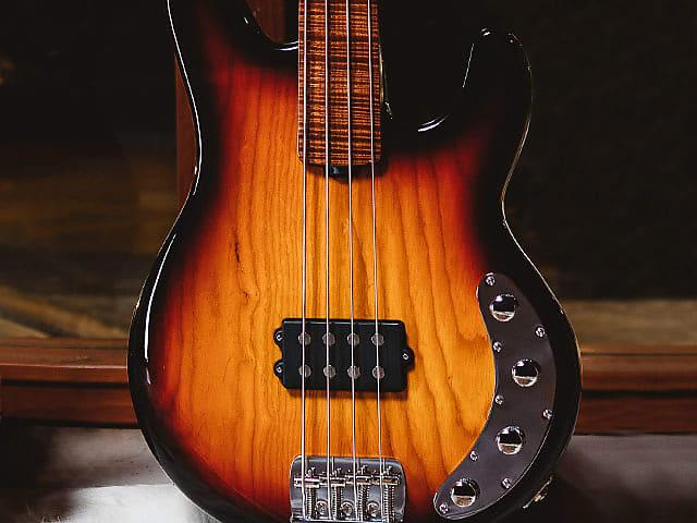 Ernie Ball Music Man BFR StingRay 4 FRETLESS, Sierra Vintage Burst Roasted & Figured Maple Neck / FB