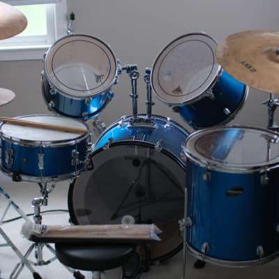 Ludwig 5-Piece Blue Drum Kit
