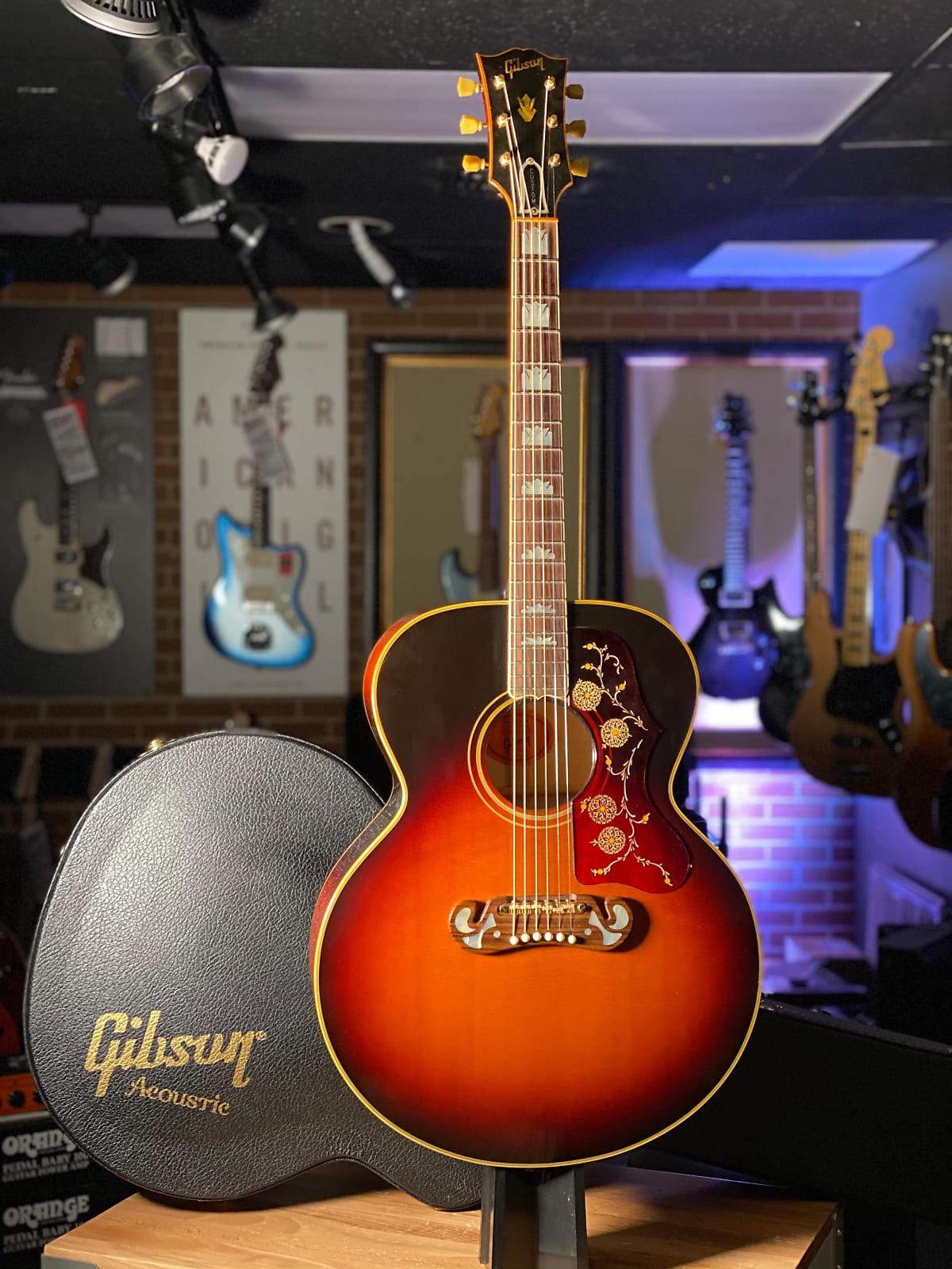 2014 Gibson Custom Shop 1964 J-200 with case & certificate