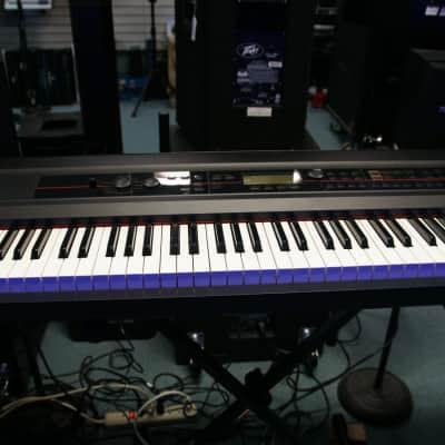 Korg Kross Music Work Station Black & White