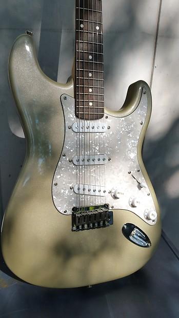 squier standard stratocaster shoreline gold 2001 w