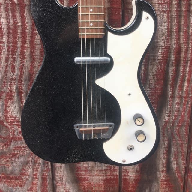 1966 Silvertone Black w/amp in csae image