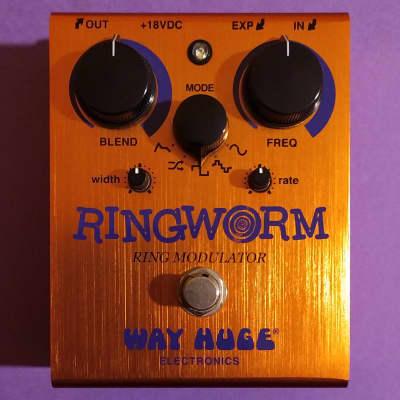 Way Huge WHE606 Ringworm near mint w/box, power supply, manual, pins & catalogs