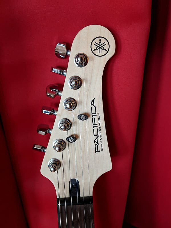 yamaha pacifica pac112j pacifica lake placid blue sss reverb. Black Bedroom Furniture Sets. Home Design Ideas