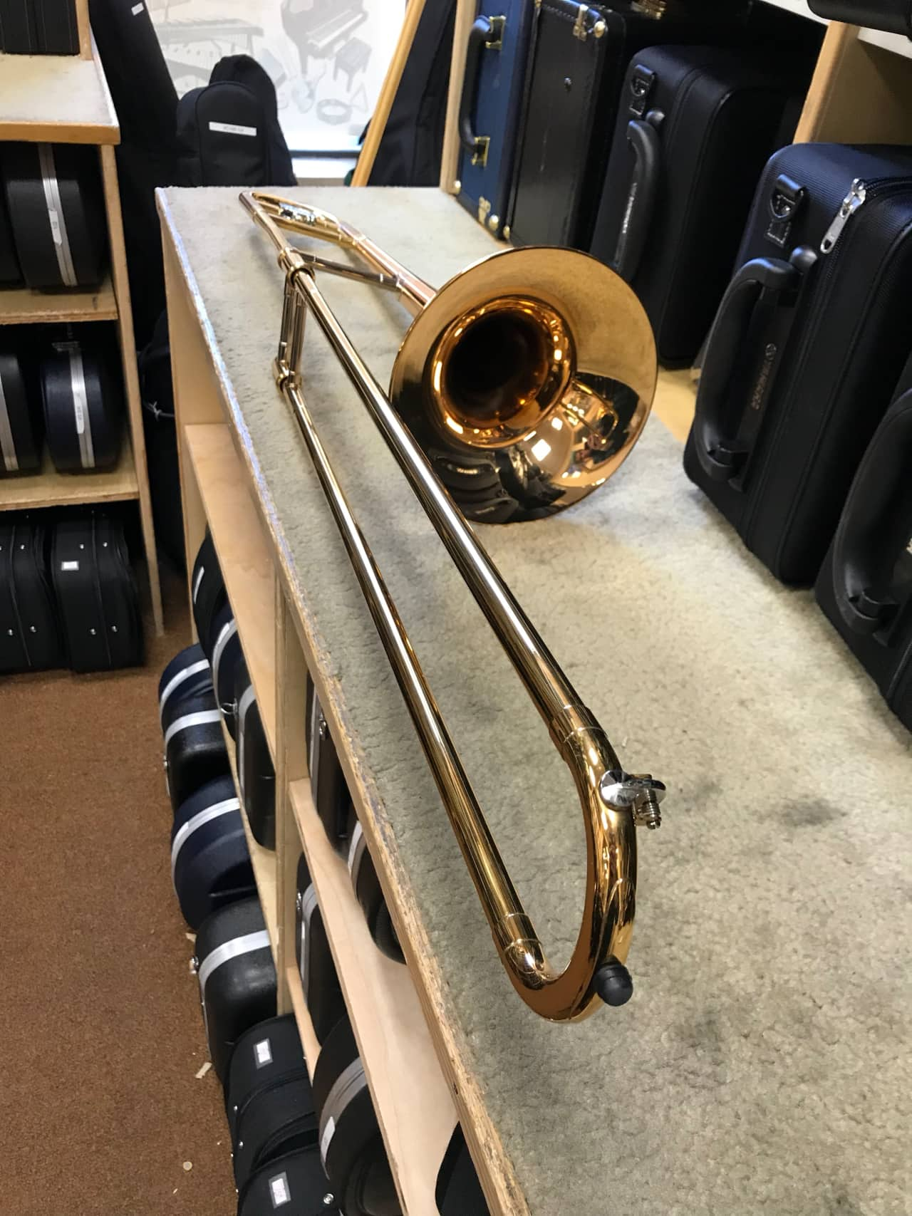 Yamaha ysl 445g intermediate trombone w case allegro for Yamaha trombone case