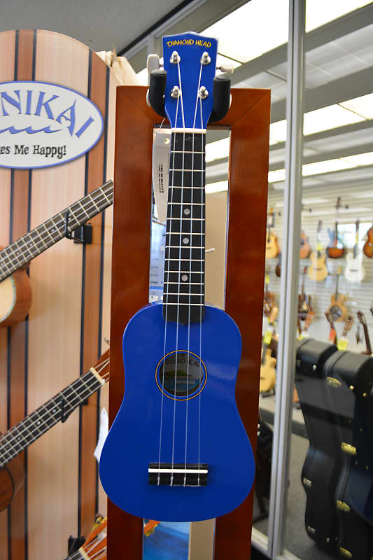 Diamond Head DU-107 Soprano Ukulele - Blue