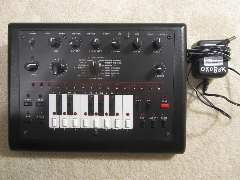 Mode Machines xoxbox black analog roland TB-303 bass synth clone
