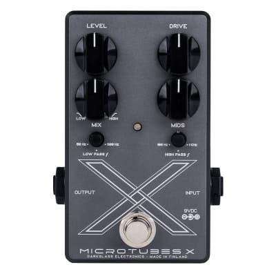 Darkglass Electronics Microtubes X multi-band distortion bass effect pedal