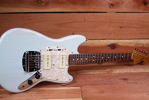 Fender Modern Player Mustang P90 Transparent Daphne Blue