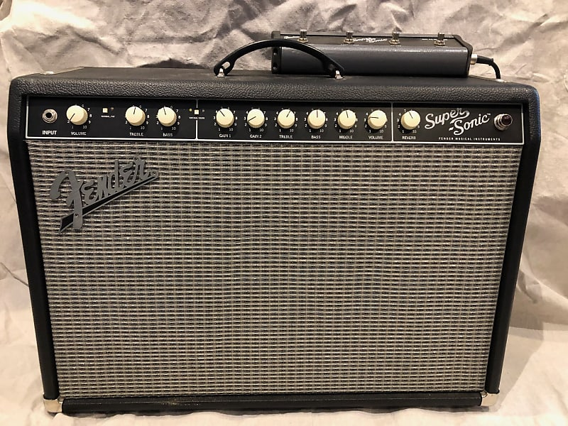 used fender super sonic 22 2 channel 22 watt 1x12 reverb. Black Bedroom Furniture Sets. Home Design Ideas