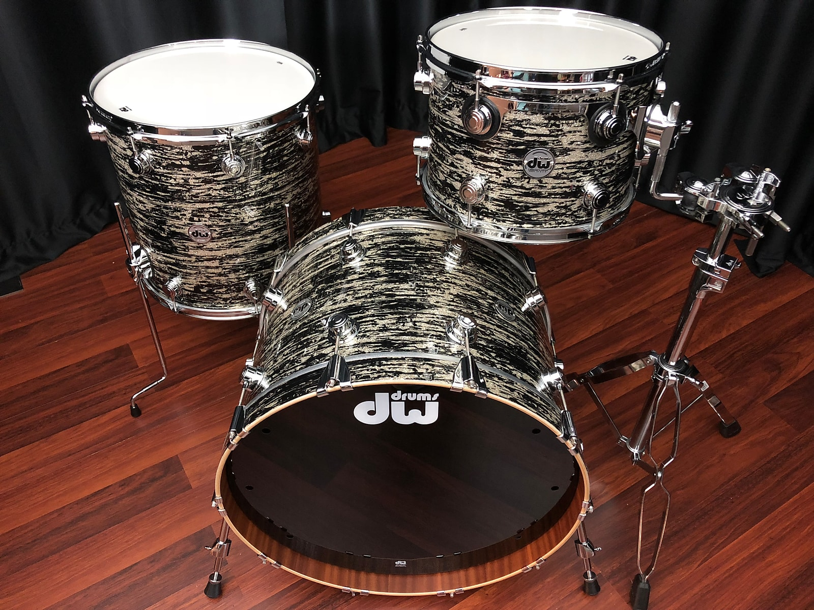 DW Drums Collector's Series kit Maple Mahogany Black Oyster Glass 14x22, 9x13, 16x16 set