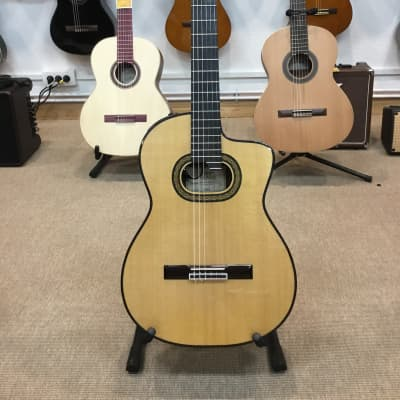 Takamine TH90 Hirade Electro classique for sale