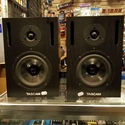 Tascam VL-X5 Powered Studio Monitor Speakers Used