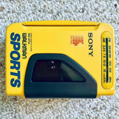 Sony WM-AF54 [COLLECTIBLE] Walkman Cassette Player, Awesome Yellow, Working !
