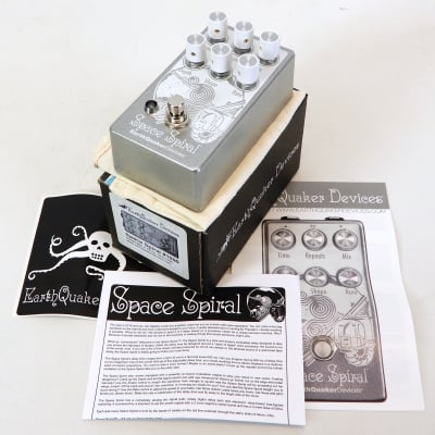 EarthQuaker Devices Space Spiral Modulated Delay Device 2017 Silver