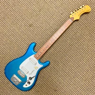 Billie Joe Armstrong owned 1965 Magnatone Zephyr for sale