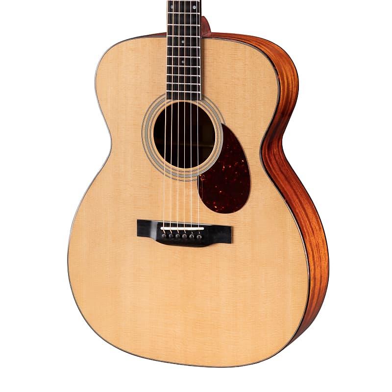 Eastman E6OM Solid Sitka / Mahogany OM Acoustic Guitar Natural w/ Hard Case