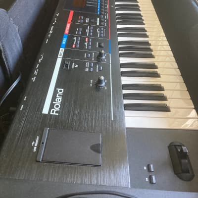 Roland Juno Stage 76-Key 128-Voice Expandable Synthesizer