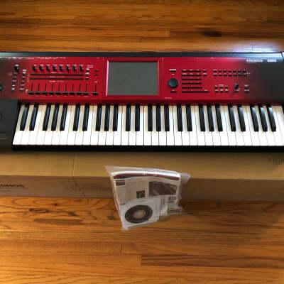 Korg Kronos 2 SE 61 Special Edition Music Workstation 61-key