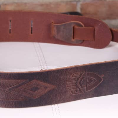 Guild Deluxe Leather Diamond Stamp Guitar Strap Brown