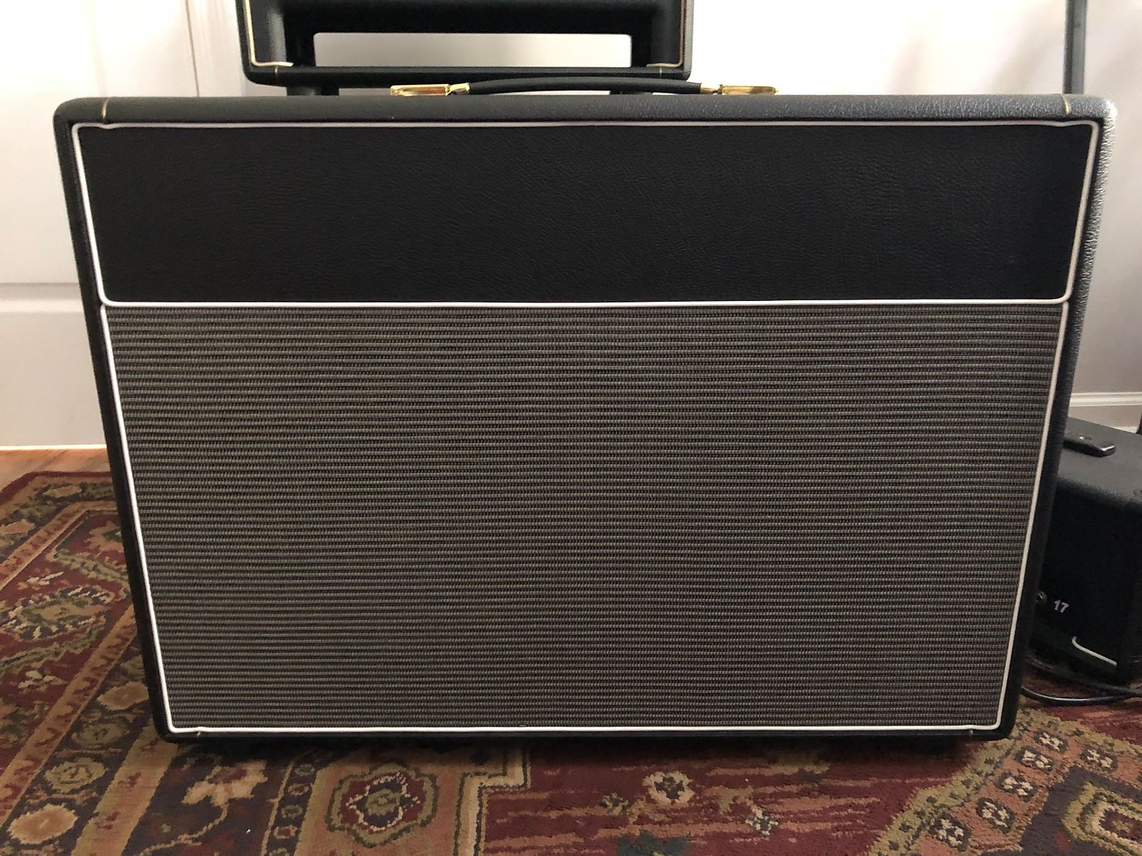 guitar watch youtube box isolation cabinet