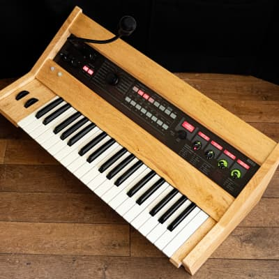 Unique Korg R3 synthesizer in a custom wooden high quality case