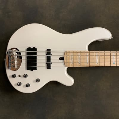 Lakland 55-02 Deluxe Pearl White
