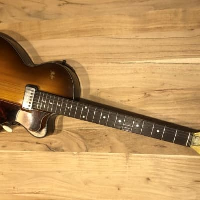 Hofner Club 40 Sunburst Vibrato Lux Head for sale